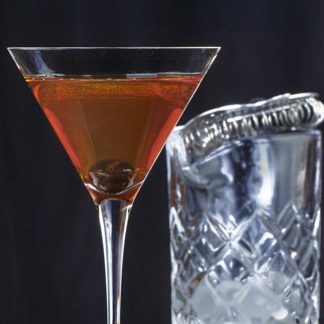 Consumatorium Classic Cocktails - Manhattan