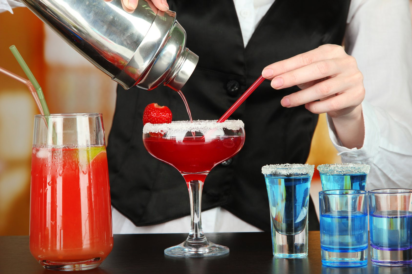 Learn How to Make Cocktails At Home